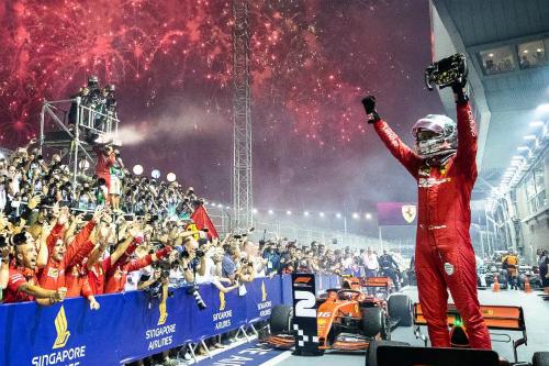 Переможний дубль Ferrari у Сингапурі (ФОТО)