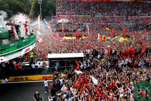 Як Леклер зробив Ferrari щасливою в Італії (ФОТО)