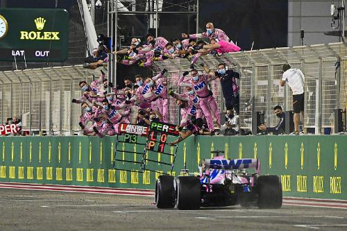 Як Перес виграв неймовірний Гран Прі Сахіру (ФОТО)